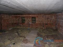 Продухи в стенах чердака закрыты