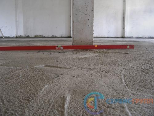 Контроль качества бетонного пола. Работа не принята, подрядчиком проведено бесплатное устранение недостатков