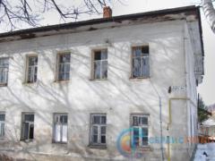 Аварийный дом, фасад